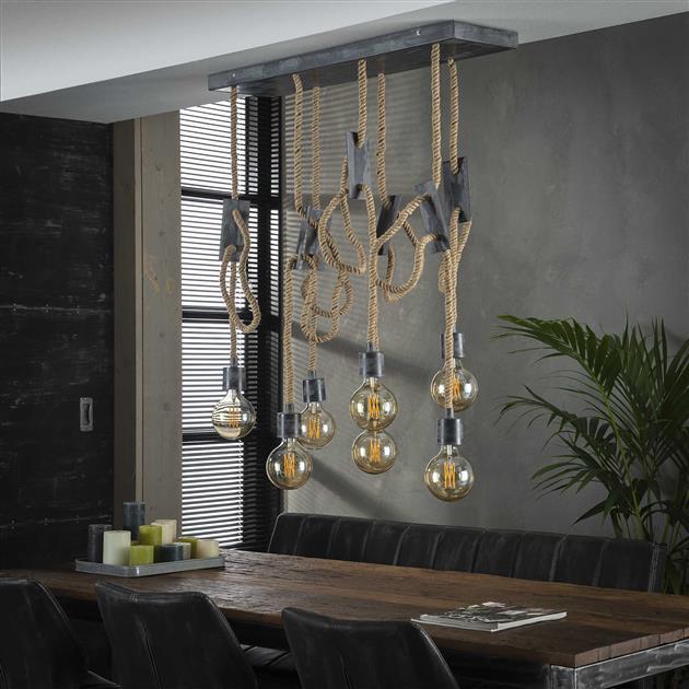 Authentieke hanglamp met zeven fittingen. De fittingen hangen aan jute touwen waarin de stroomkabels verweven zitten. Alle touwen zijn afzonderlijk in hoogte verstelbaar tot 150 cm.