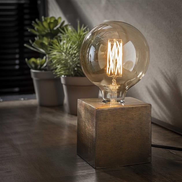 vierkante tafellamp gemaakt van metaal, de lamp heeft een brons antiek finish en is 10 cm hoog